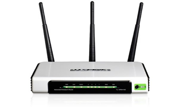 ROUTER TP-LINK WIREL + 4 PORT 300MBPS MOD TL-WR941ND